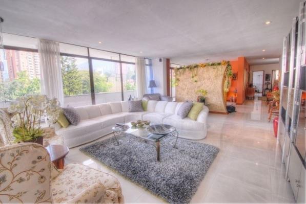 El Poblado Apartment For In Medellin Colombia