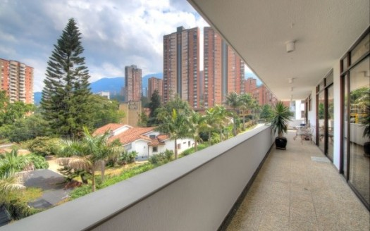 Medellin_apartment_for_sale_balcony