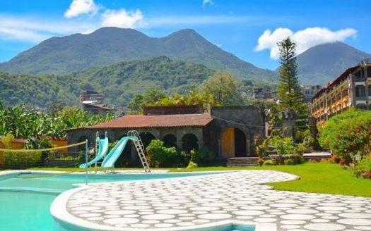 pool&volcanoes